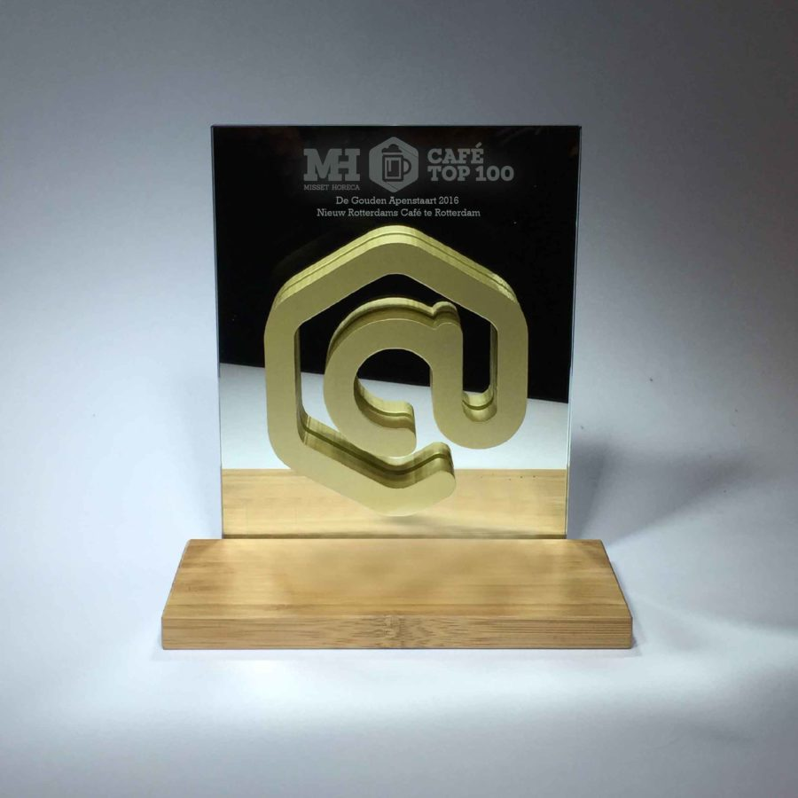 AWARDS: MISSET HORECA CAFE TOP 100  APESTAART AWARD