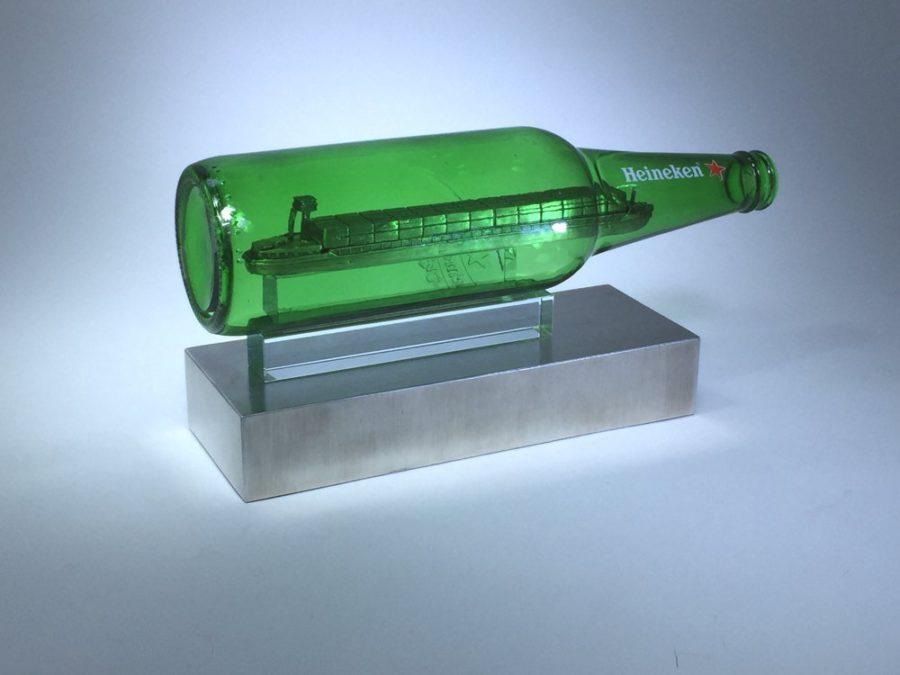 Tombstones: van Uden-Heineken Schip in een fles