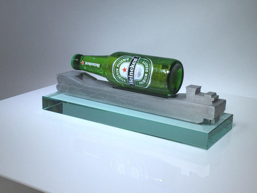 Tombstones: Nedcargo Binnenvaartschip Heineken.