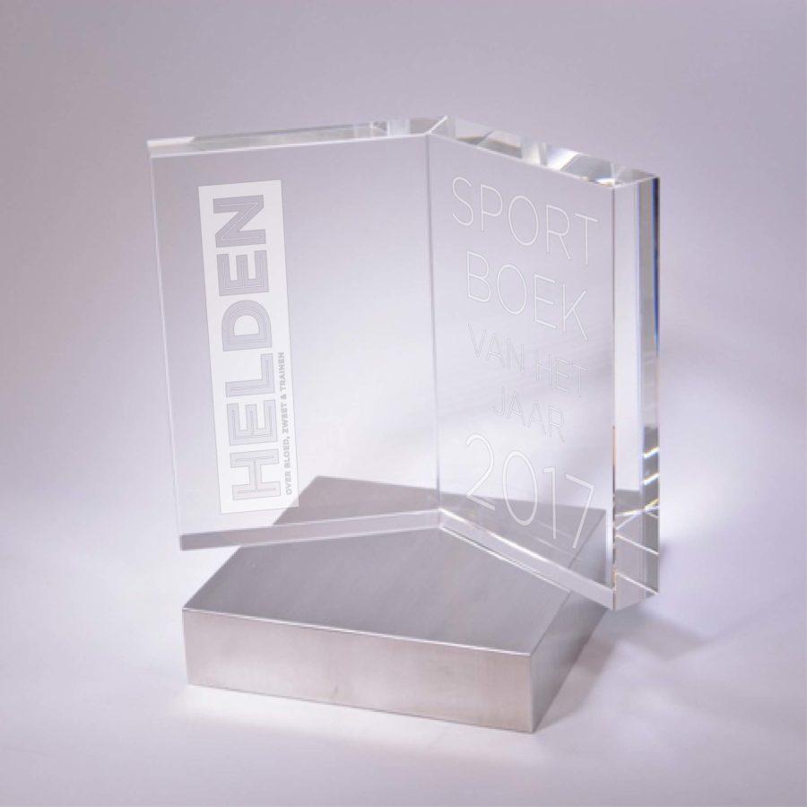 Awards: HELDEN SPORTBOEK VAN HET JAAR 2017 Kristal/Aluminium